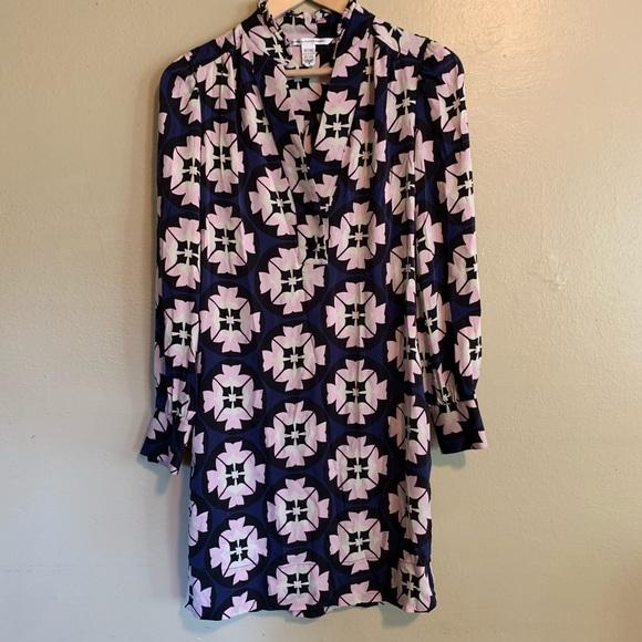 Diane Von Furstenberg Dresses & Skirts - Diane von Furstenberg • Silk Floral Shift Dress •6